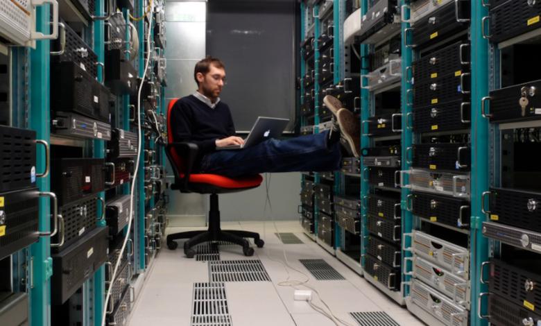 Photo of Cloud Server vs. Dedicated Server Hosting