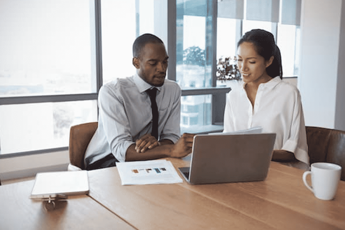 Benefits-of-working-with-a-HR-consultancy-firm