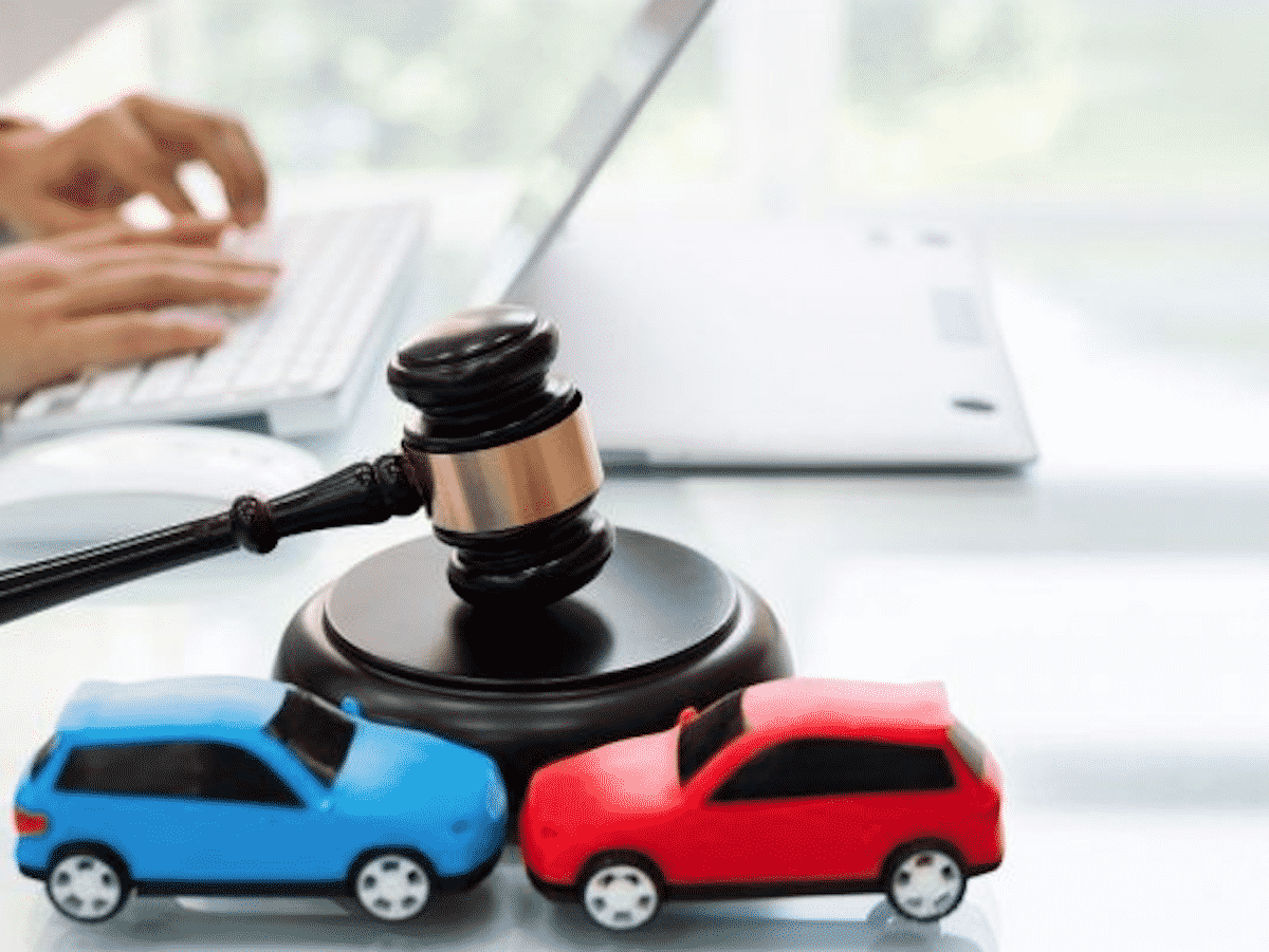 Car accident lawyers- who are they, and why should you hire one